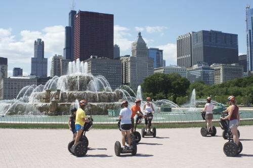 Buckingham Fountain Chicago segway city tour