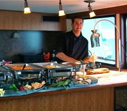 cateringyacht charters lake michigan private charter events