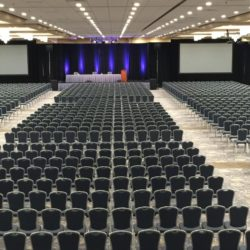 Large meeting space for 2000 in Rosemont