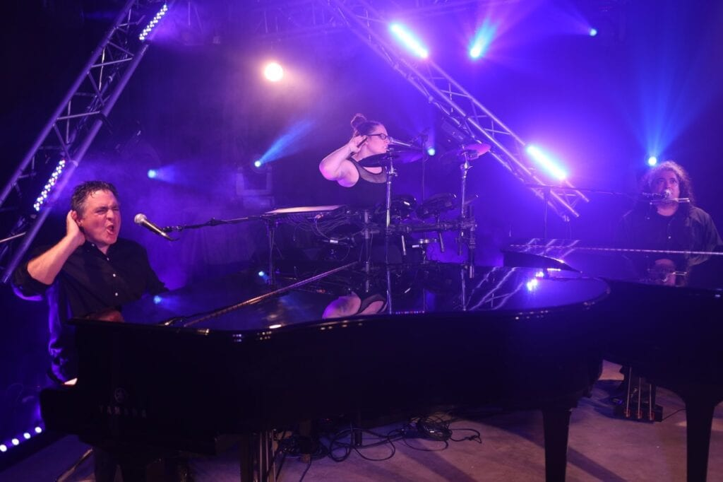 The Best Dueling Piano Show